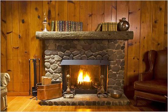 Камин на даче: красота, тепло и уют
